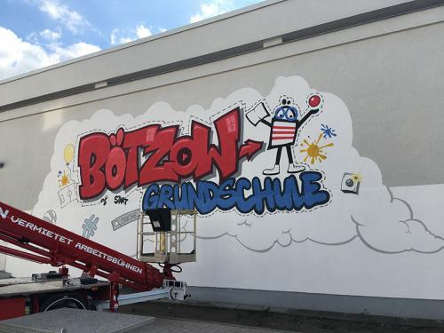 Graffiti an der Bötzow-Grundschule im Stadtumbaugebeit Prenzlauer Berg