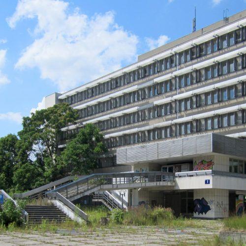 Ehemaliges Stasi-Krankenhaus an der Hobrechtsfelder Chaussee in Berlin-Buch