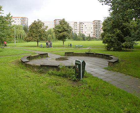 Ernst-Thälmann-Park, Freifläche